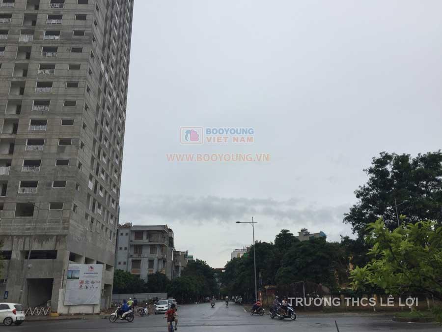 Tòa CT7 Booyoung Mỗ Lao nằm cạnh Hồ Gươm Plaza với hệ thống siêu thị BigC và sát ngay đường Nguyễn Trãi, ga tàu đường sắt trên cao Cát Linh - Hà Đông giúp cư dân dễ dàng di chuyển. Hơn thế, CT7 gần trường THCS Lê Lợi gần các khi vui chơi khu vực Mỗ Lao
