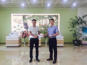 Thưởng nóng nhân viên kinh doanh ký hợp đồng đầu tiên trong ngày 02/07/2019